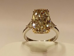 L YELLOW  NATURAL DIAMOND